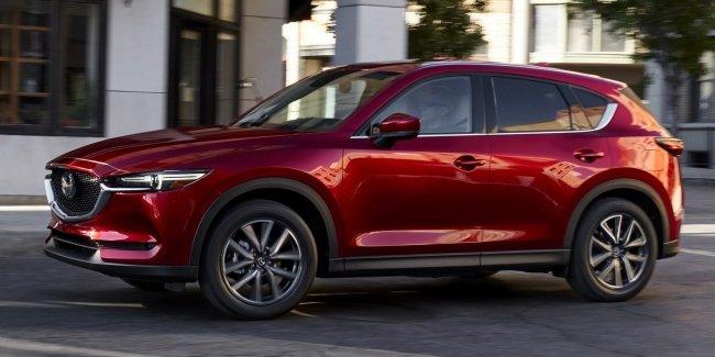 650x - В Екатеринбурге у помощника представителя Башкирии в Свердловской области угнали красную Mazda CX-5